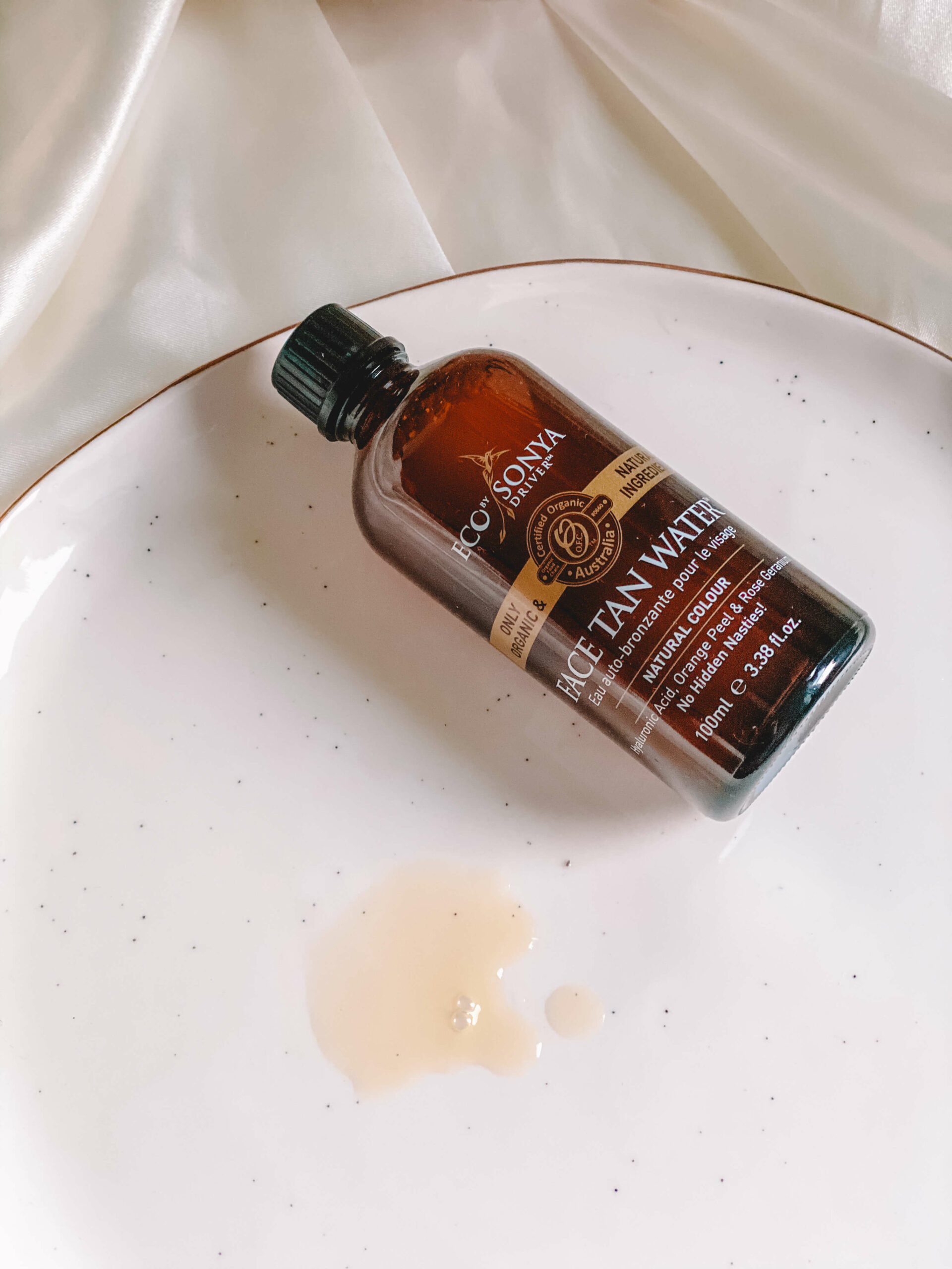 face tan water eco by Sonya
